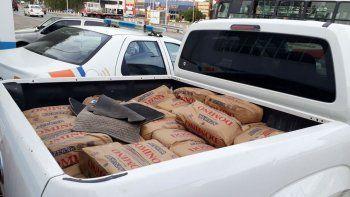 La camioneta y el azúcar quedaron secuestradas en el puesto caminero.