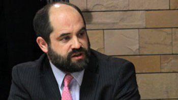 El juez Chirinos se trenzó con una periodista que lo criticó en Twitter