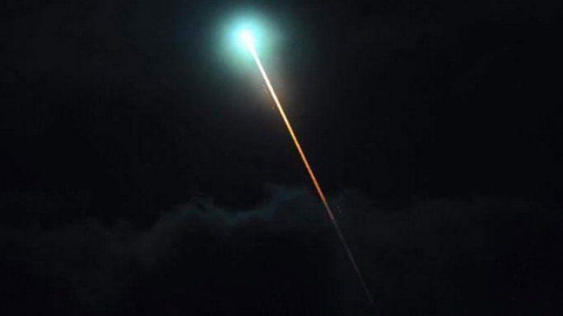 Extrañas luces se desintegraron en el cielo cipoleño (imagen ilustrativa).