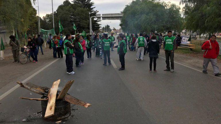 Comenzó la protesta de ATE en los puentes: cortan un carril de forma intermitente