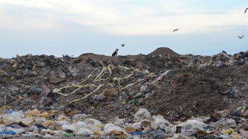 La Muni tiene nuevo plan para el basural: enterrar los desperdicios