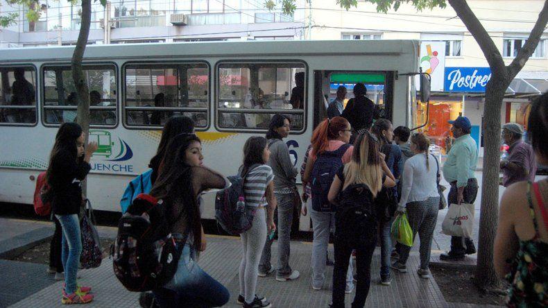 El Municipio no intervendrá en el cobro extra del boleto a estudiantes
