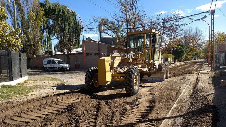 La empresa ARCO Ingeniería comenzó con el movimiento de suelos.