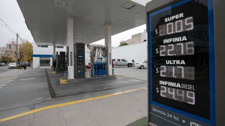 YPF también subió  el precio de la nafta en la ciudad