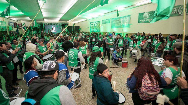 Una marea verde copó la ciudad por el Congreso de ATE