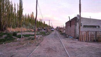 El asentamiento de Ferri junto a las vías casi no recibe ayuda oficial.