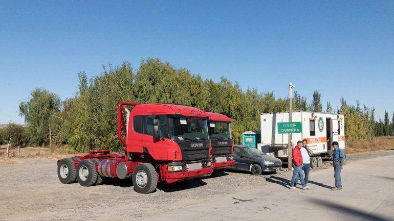 Retuvieron dos camiones por falta de documentación