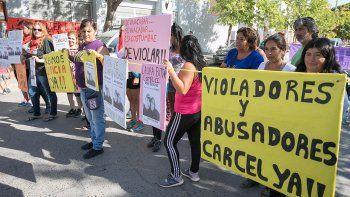 piden 10 anos de carcel para el hombre que violo a su hija
