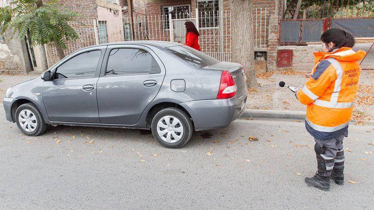 El Municipio adquirió un decibelímetro para controlar los ruidos molestos de autos y motos en la ciudad.
