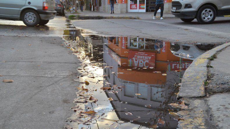 Hay calles céntricas en que circulan aguas malolientes en abundancia.