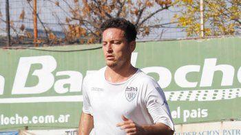 Valente siguió entrenando por la Copa, pero se terminó operando.