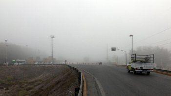 el valle amanecio cubierto por una intensa niebla