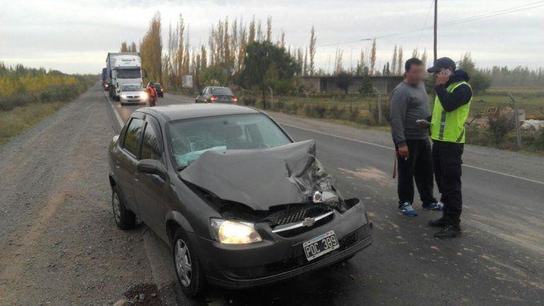 Un impactante choque sobre la Ruta 151 dejó un hombre herido