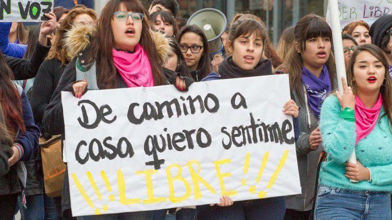 Miles de estudiantes de la UNCo exigieron seguridad