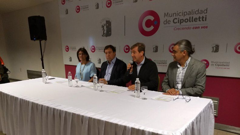 Firmaron nuevos contratos para edificios escolares en Cipolletti