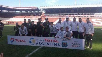 El equipo inicial ante San Lorenzo en cancha de Lanús. El partido de Copa que marcó el inicio de un nuevo ciclo en Cipo hace menos de un año.