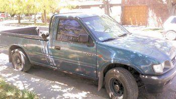 La camioneta robada es una Chevrolet LUV, patente BXL 146.