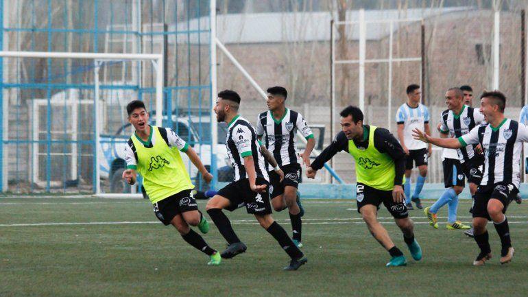 El gol de Agüero en el final desató el festejo en Cipo