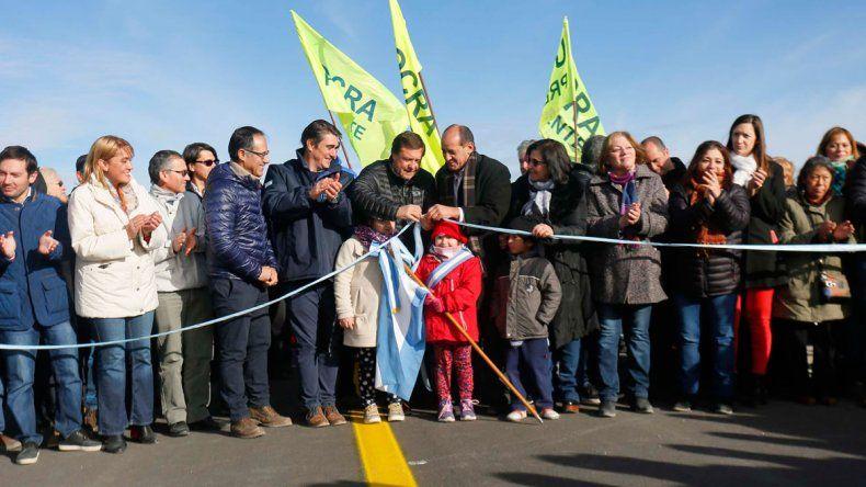 El diputado Wisky y el gobernador Weretilneck encabezaron la inauguración de un tramo de la Ruta 23.