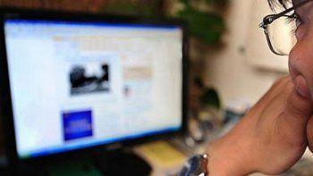 La figura con la que se condenó al hombre es la de violencia de género virtual, dado que se ejerció a través de medios digitales.