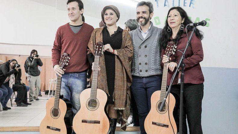 Comenzarán a implementar música y danzas folklóricas en escuelas cipoleñas