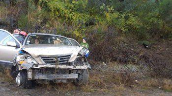 brutal vuelco sobre la ruta 40 dejo un saldo de tres personas heridas