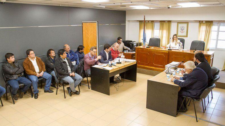 Van a juicio López  y otros dirigentes  por irregularidades