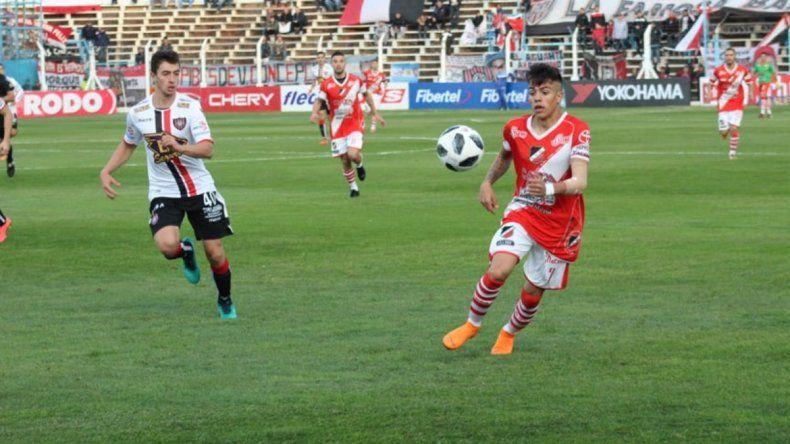 Deportivo Maipú goleó en el mismísimo coloso a Chacarita y lo eliminó.