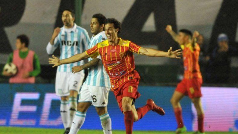 Sarmiento le provocó a Racing la mayor sorpresa en la Copa Argentina.