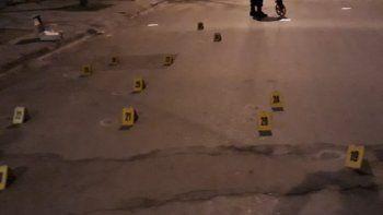 Un desconocido disparó 36 balazos contra una vivienda ubicada en la calle Belgrano. El agresor escapó y no fue detenido, pero estaría identificado.