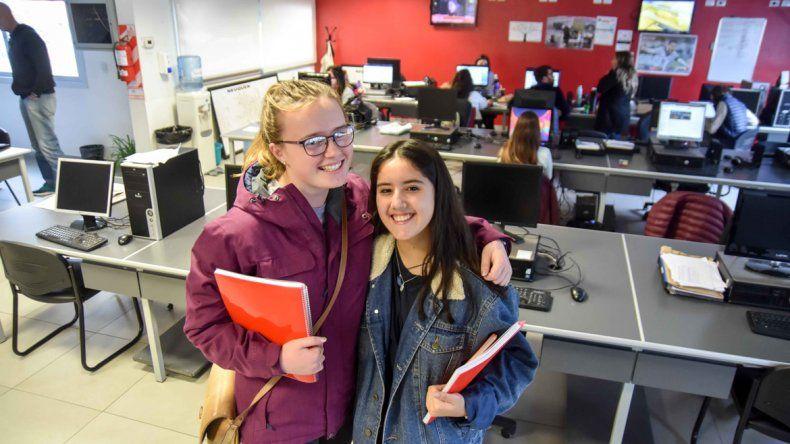 Abi y Antonia llegaron desde Nueva Zelanda hace tres meses.