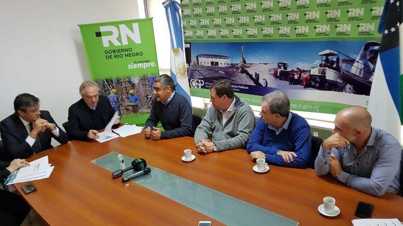 Se firmaron los contratos de dos obras del Plan Castello en Viedma