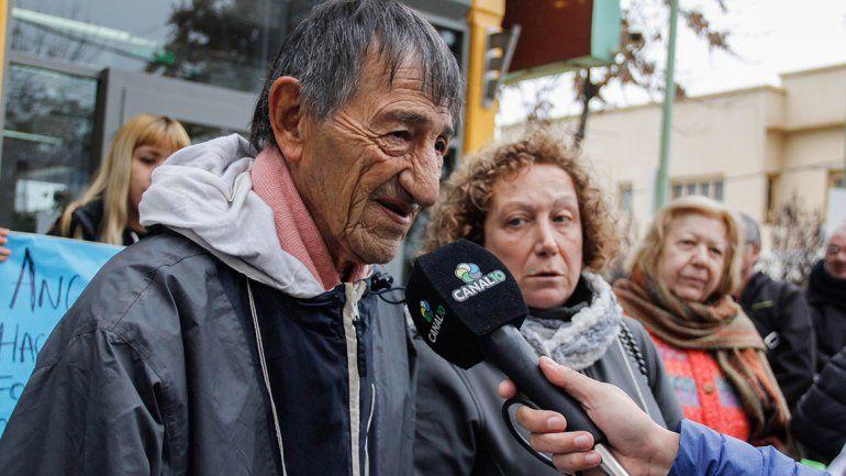 Parada participó el martes de la marcha en contra del desalojo.