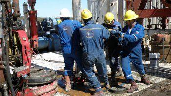 Dieron marcha atrás con los despidos petroleros