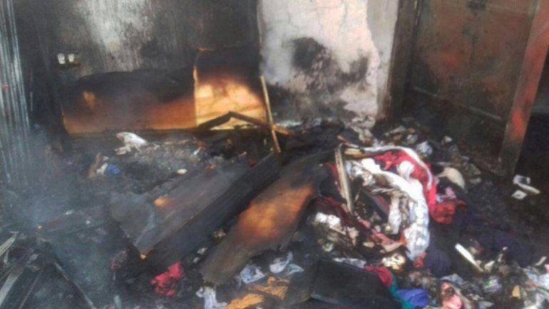 Una familia quedó en la calle tras incendiarse su casilla