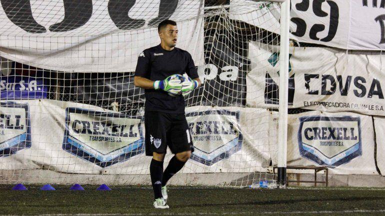 Facundo Crespo tiene contrato hasta el 2019 en el Albinegro. El arquero quiere quedarse a pelear un lugar.