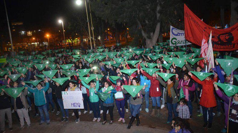Convocan a un acampe en la plaza por el aborto legal