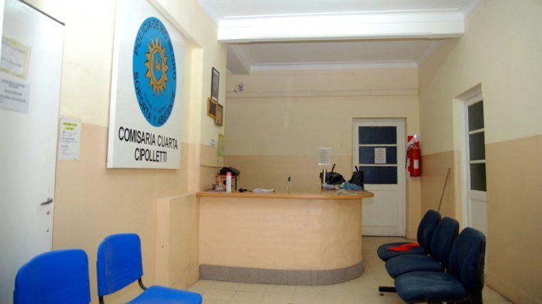 Los delincuentes fueron retirados de la Comisaría Cuarta de Cipolletti.