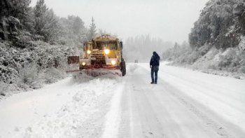 recomiendan suspender los viajes por el temporal de nieve