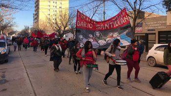 organizaciones sociales marcharon a la muni por comida y lena