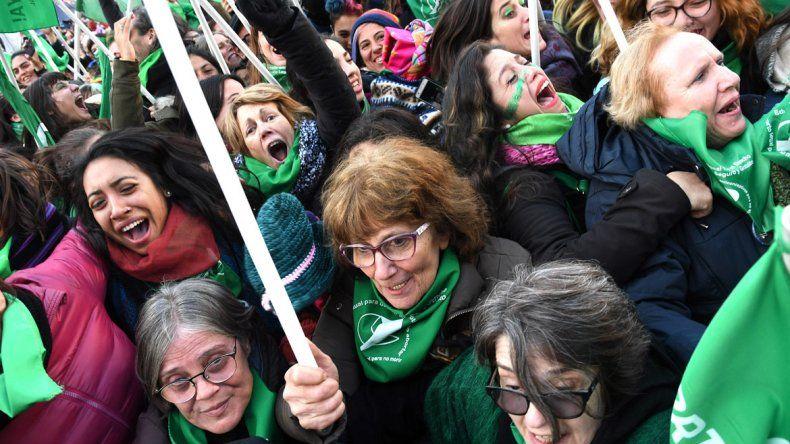 Así festejaron miles de mujeres la aprobación del aborto en Diputados