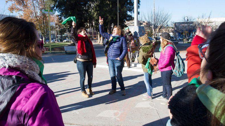 Las mujeres cipoleñas celebraron la media sanción de la ley del aborto.