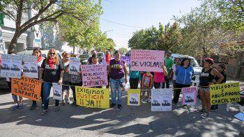 El Chacal motivó protestas en las puertas de los tribunales locales.