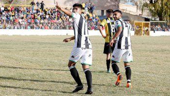 Romero celebrando el primero de los dos goles que aportó en la final. El 9 tuvo un gran semestre y se quiere quedar.