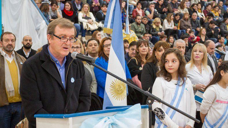 Mirá todo el color del acto de promesa a la bandera en el Estadio Municipal