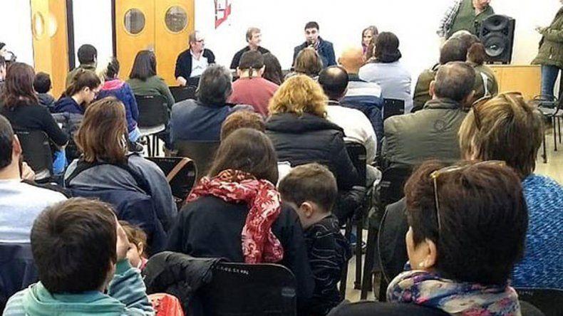 El acto se hizo en la delegación municipal del Distrito Vecinal.
