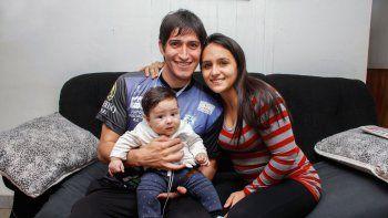 Julio Guante Ibáñez juega hace años en Deportivo Rincón, pero sigue viviendo en Cipolletti. Ayer descansó en casa con la familia.