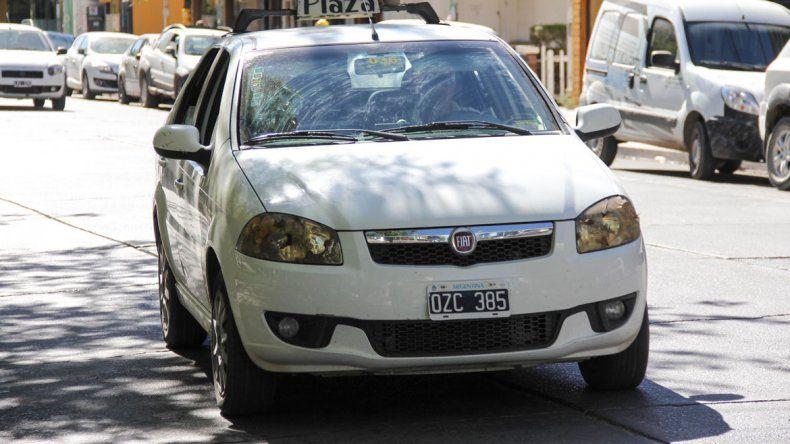 Los taxis de Cipolletti tienen una tarifa que debe ajustarse cada vez que los combustibles experimenten un incremento del orden del 5 por ciento.