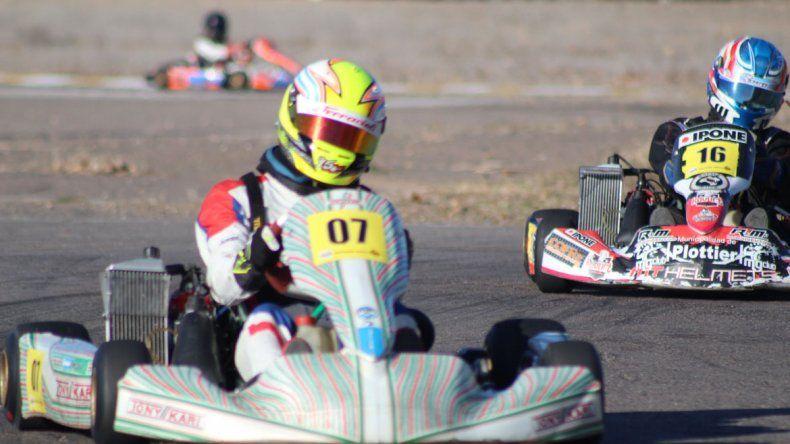 Echevarría giró en Cipolletti y fue una de las grandes atracciones en la Isla Jordán. Fue segundo en la final de los invitados de la Copa Rotax.