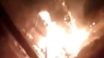 un hombre lo perdio todo tras incendiarse su casa